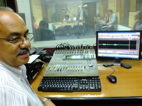 Estudio dramático de la emisora CMKC, Radio Revolución en sus 90 cumpleaños. Foto: Santiago Romero Chang