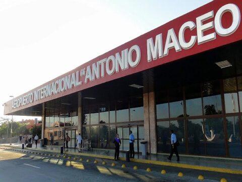 Aeropuerto Internacional Antonio Maceo