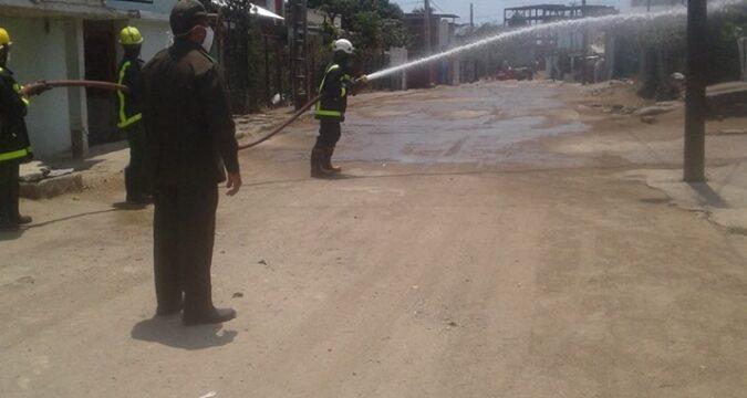 Agua clorada en las calles de Marimón