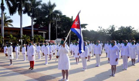 Brigada cubana de enfermería enfrenta la COVID-19 en Barbados