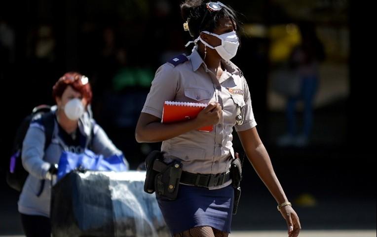 Oportuna gestión de los combatientes de la Policia Revolucionaria ante el covid-19