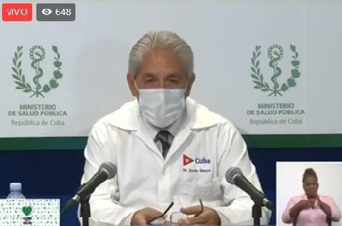 Doctor santiaguero Francisco Duran en la habitual rueda de prensa sobre la lucha contra el nuevo coronavirus en Cuba