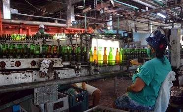 Reconocen a Cerveceria santiaguera por su labor ante la COVID-19