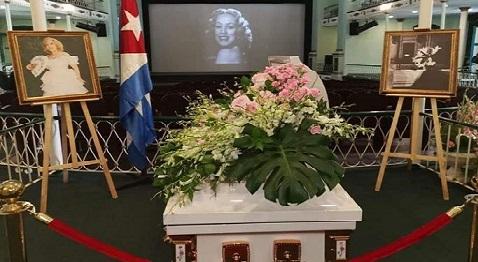 Adiós a Rosita Fornés, Excelencia y Distinción