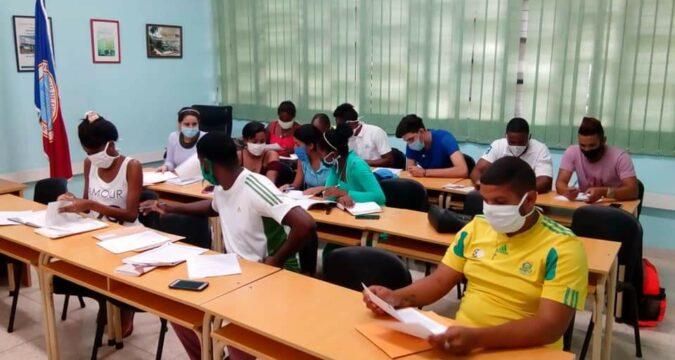 Estudiantes de la Universidad de Oriente