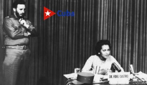 El Comandante en Jefe Fidel Castro y Marta Rojas ante la televisión cubana sobre la gesta del Moncada el 26 de julio en Santiago de Cuba.