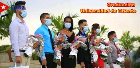 Graduación de la Universidad de Oriente: 158 Títulos de Oro, 54 Premios al Mérito Científico y Vanguardias Integrales. Imagen: Santiago Romero Chang.