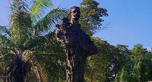 Aniversario XV del monumento a Martí, erigido en el centro de la ciudad de Santiago de Cuba.