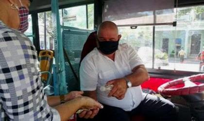 Transporte urbano en recuperación en Santiago de Cuba post covid-19