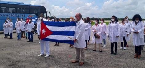 En Cuba primer grupo de médicos que enfrentó la pandemia en México