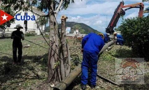 Precisa ETECSA-Santiago cada detalle en la recuperación tras desastres naturales. Foto: Keyttia Sánchez Menéndez