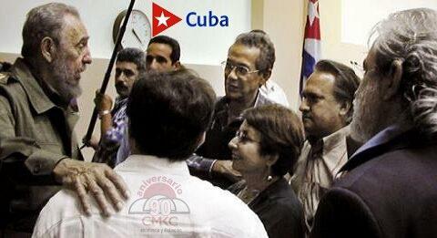 Fidel junto a artistas e intelectuales. Foto: Ahmed Velázquez
