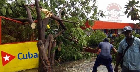 Santiago de Cuba en recuperación tras tormenta tropical Laura.