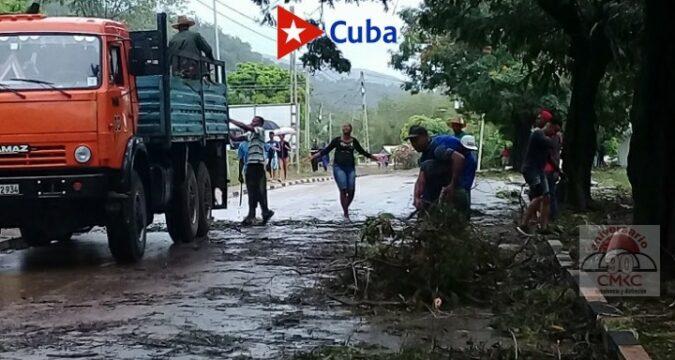 En Guamá se integran fuerzas populares en la recuperación tras la tormenta Laura
