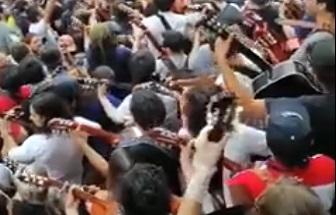 A Guitarra limpia por la Unidad Latinoamericana