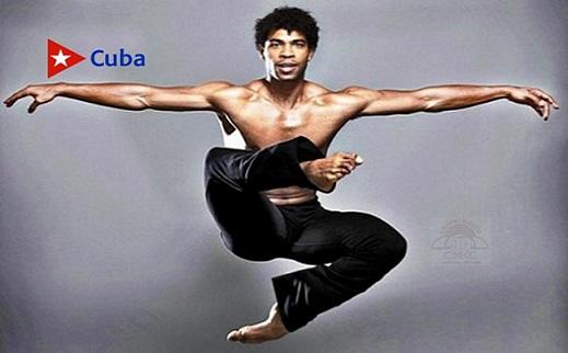 Cuban Carlos Acosta receives Dance Magazine award in US