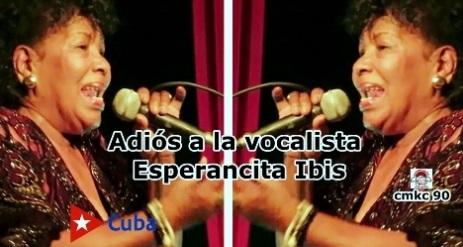 la destacada vocalista Esperancita Ibis