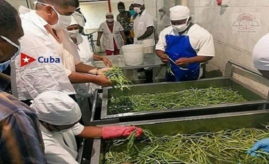 Mini-industrias de Songo La Maya se hacen sentir con más producciones de aimentos. Constató titular del ramo.
