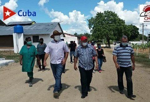 Viceprimer ministro cubano Jorge Luis Tapia Fonseca en visita por Santiago de Cuba