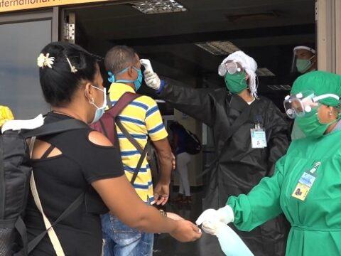 Control en el aeropuerto Antonio Maceo ante rebrote de la covid-19 en Santiago de Cuba.