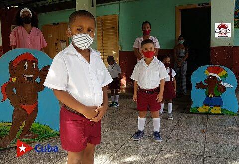 Curso Escolar en Santiago de Cuba. Foto: Santiago Romero Chang.