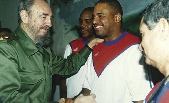 Fidel y Orestes Kindelán, -El Tambor Mayor- de Santiago de Cuba.