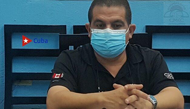 Luis Ricardo Manet Lahera, director de Epidemiología y Micriobiología en Santiago de Cuba.