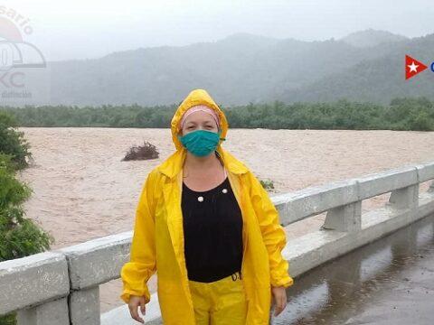 Desde ayer a hoy 103 milimetros de agua en Chivirico. El río Guamá muestra una crecida como hace veinte años atrás.