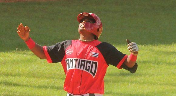 Santiago de Cuba con sus Avispas acaricia boleto a los playoffs beisbolero 2021