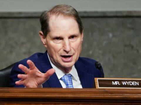 El senador demócrata de EE.UU. Ron Wyden presentó el viernes una iniciativa de ley ante la Cámara Alta para zanjar el embargo norteamericano a Cuba.