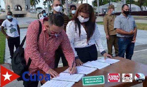 Firman Código de Ética dirigentes de Santiago de Cuba