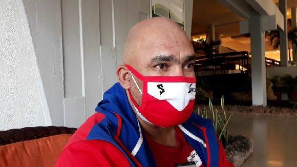 Eriberto Rosales, quien lleva tres temporadas al frente al equipo Santiago de béisbol