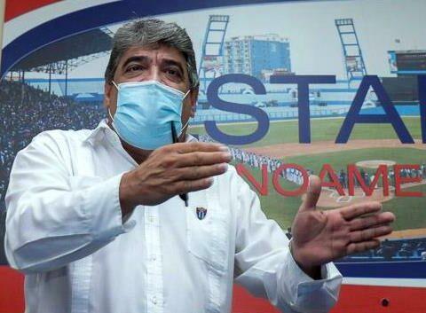 Murió Ernesto Reynoso, comisionado nacional de béisbol