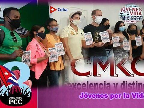 Jóvenes por la Vida 9 colegas de la CMKC, Radio Revolución. Foto: Santiago Romero Chang