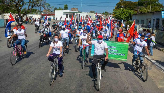 No al bloqueo, caravana tunera contra criminal política económica y financiera del gobierno de los Estados Unidos contra Cuba.