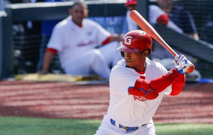 Cuba, Roel Santos parece el único indiscutido en el line-up del Cuba. Foto: Ismael Batista Ramírez