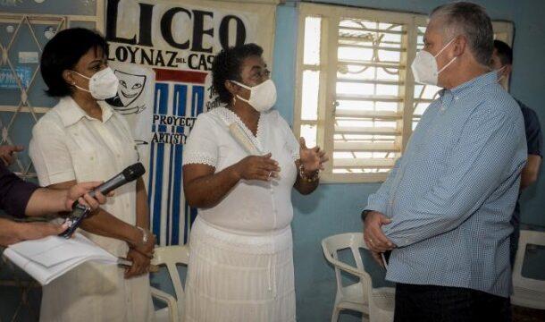 Primer Secretario del Comité Central del Partido y Presidente de la República, Miguel Díaz-Canel visitó este jueves el proyecto comunitario Red Barrial Afrodescendiente