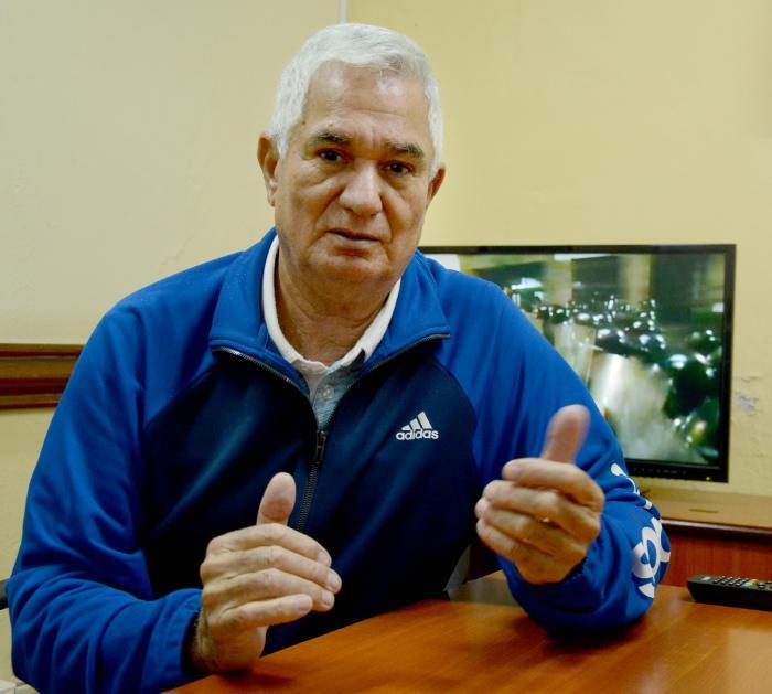 Higinio Vélez, el manager de la Aplanadora Santiaguera.