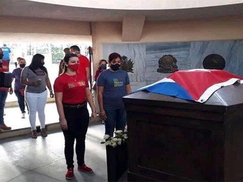 En Santiago de Cuba tributo a Martí por los 126 años de su caída en combate