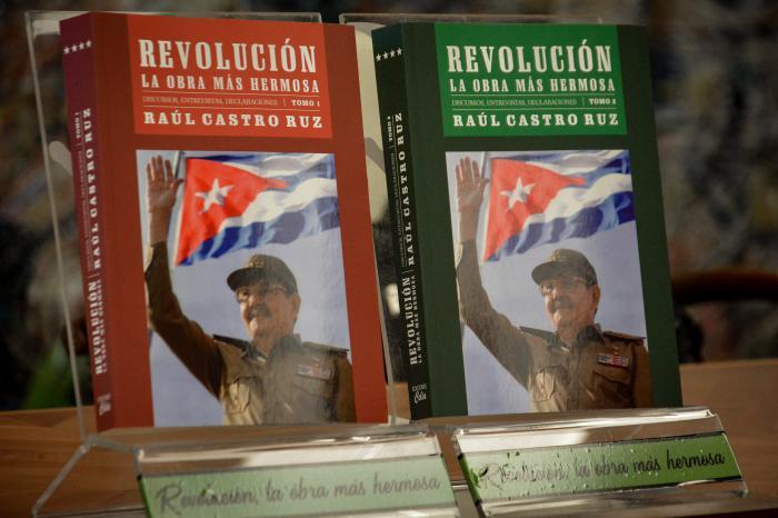 libro Revolución, la obra más hermosa