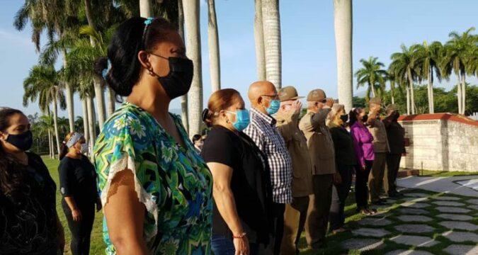 Homenaje a Vilma Espín en el Mausoleo a los Héroes y Mártires del II Frente Oriental -Frank País García- Foto: Santiago Romero Chang-
