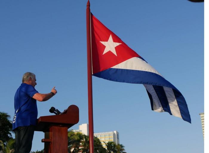Díaz-Canel: Al lado del pueblo, con el pueblo y por el pueblo, sigue estando la Revolución cubana