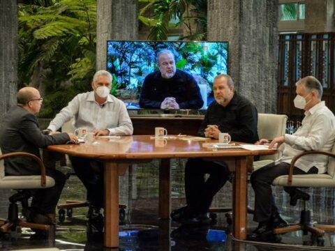 Díaz-Canel y dirigentes del gobierno comparecen en la Mesa Redonda
