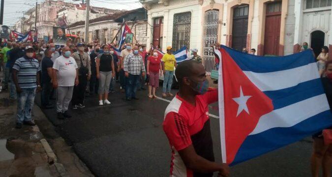 El pueblo revolucionario de Cienfuegos, verdaderos dueños de las calles