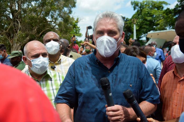 Presidente de Cuba, Migue Díaz Canel Bermúdez, Primer Secretario del Prtido Comunista de Cuba, en respuestas en San Antonio de los Baños.