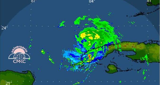 """Huracán """"Ida"""" sale de Cuba, pero se mantienen lluvias, vientos y nublados"""