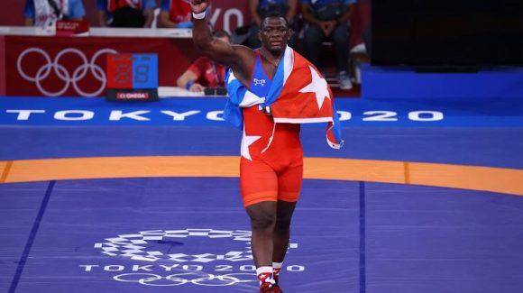 Mijáin López impresiona porque con 38 años y cuatro títulos olímpicos que lo convierten en el luchador más laureado