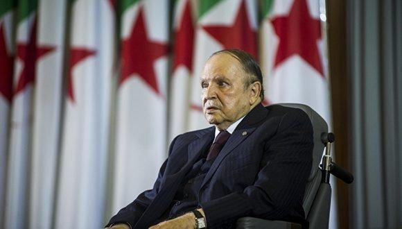 Decretan duelo nacional por fallecimiento del Expresidente de la República Argelina Democrática y Popular