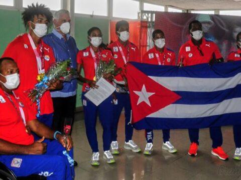 Recibe Díaz-Canel a delegación cubana a los Juegos Paralímpicos Tokio 2020
