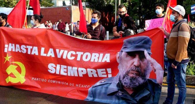 Sostiene Díaz-Canel emotivo encuentro con emigrados cubanos en México